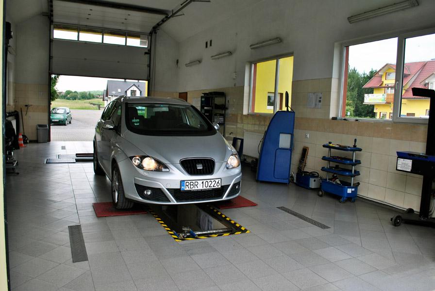Wykonujemy badania techniczne pojazdów: - STACJA KONTROLI POJAZDÓW<br/>przy Stacji Paliw